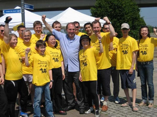 Dragon Boat Race at Royal Albert Docks, Lib Dem President Simon Hughes supporting the Democracy Dragons